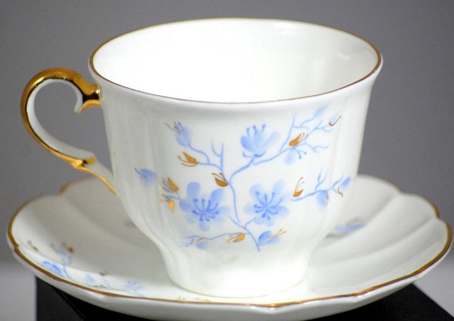 Relationship between sculpture and ceramic - Porcelain