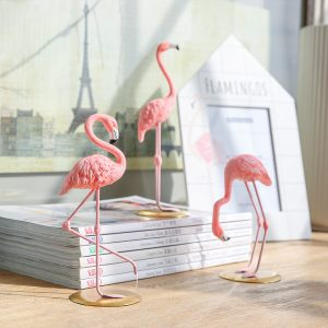 1I820002 vintage pink flamingo figurines (3)