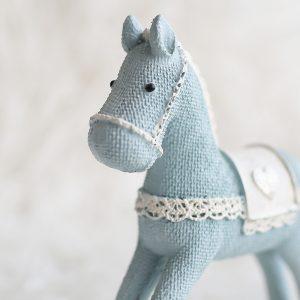 1I820008 Christmas Trojan Horse Figurine (3)
