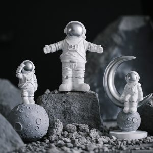 1I820020 Astronaut Figurine Resin Wholesale Online (2)