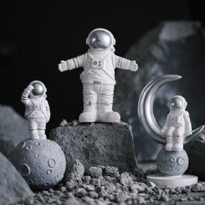 1I820020 Astronaut Figurine Resin Wholesale Online (2)
