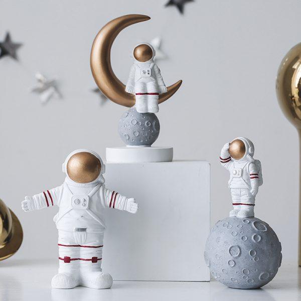 1I820020 Astronaut Figurine Resin Wholesale Online (3)