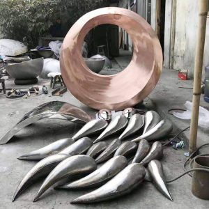 stainless steel fish sculpture (2)