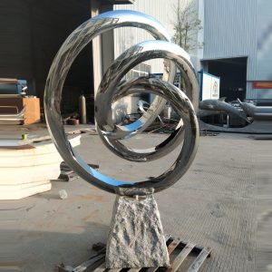 stainless steel outdoor sculpture (1)