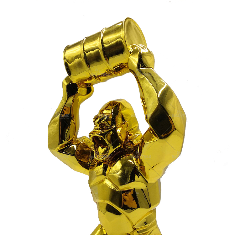 Gold Gorilla Statue Beeld (1)