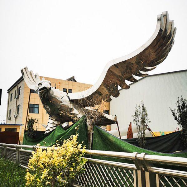 Hersteller von Stahladler-Skulpturen (3)