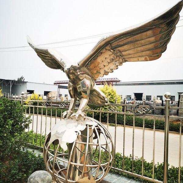 Hersteller von Stahladler-Skulpturen (8)