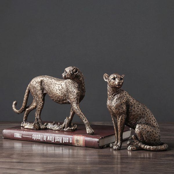 1J602002 Cheetah Figurines Resin Maker (4)