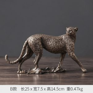 1J602002 Cheetah Figurines Resin Maker (6)