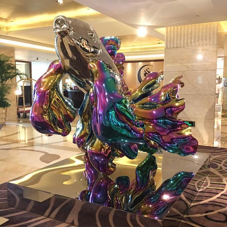 1I709073 Goldfish Statue Fiberglass Chrome Plated (5)