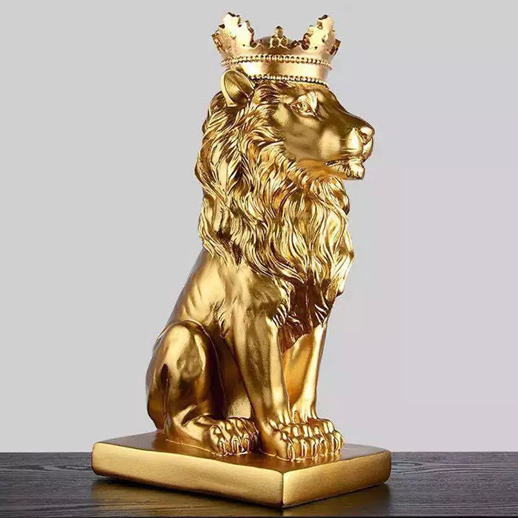 1J727001 lion statue with crown