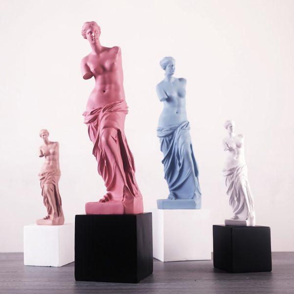1J910001 Venus Statues (2)