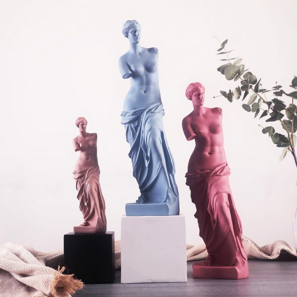 1J910001 Venus Statues (3)
