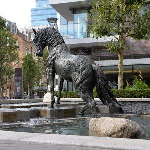 1JA13003 black stallion horse statue (8)