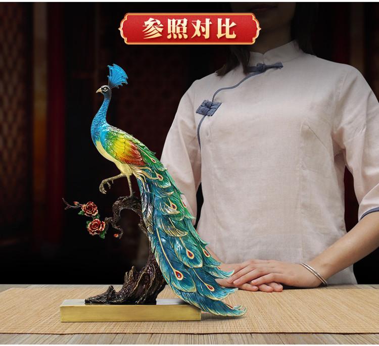 1I904025 peacock statue home goods detail (16)