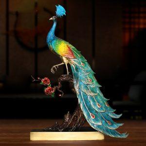 1I904025 peacock statue indoor (2)