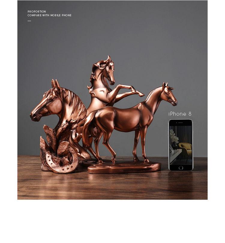 1JA29002 décoration de cheval résine detail (3)