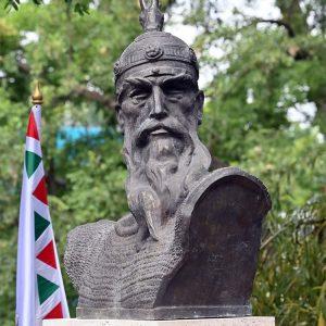 1K906001 Skulptura Shqip Gjergj Kastrioti Skenderbeu (1)