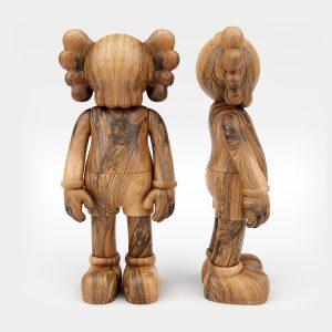 1K907004 Skulpture Od Drveta Kaws (1)